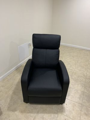 Recliner Chair Leather Black for Sale in Philadelphia, PA