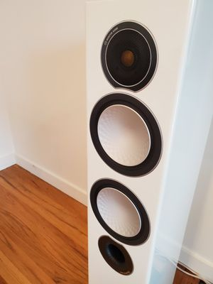 Monitor audio speakers Gloss white for Sale in Seattle, WA