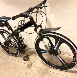 MOUNTAIN BIKE WITH FOLDING FRAME SHIMANO 21 SPEEDS for Sale in Miami, FL