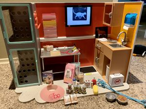 Vet Clinic for American Girl size Dolls for Sale in Bothell, WA