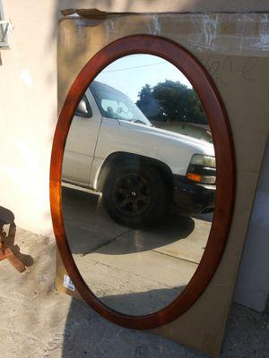 Dos espejos grandes ovalados nuevos for Sale in Lynwood, CA
