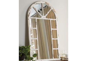 NEW IN THE BOX. DIVAKAR ANTIQUE WHITE ACCENT MIRROR, SKU# A8010069AM for Sale in Fountain Valley, CA