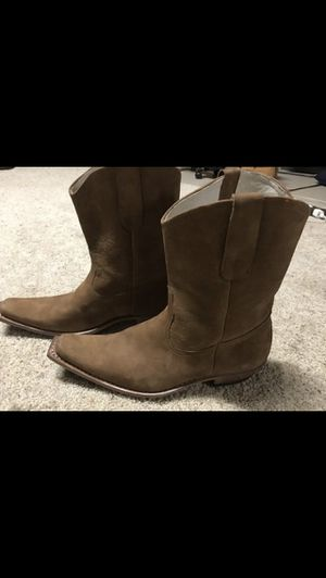 REAL LEATHER COWBOY BOOTS . size 9.5 $100 . I used it one time. for Sale in Washington, DC