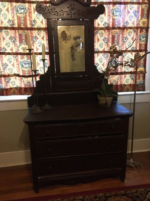 Antique chest with a mirror for Sale in Baton Rouge, LA
