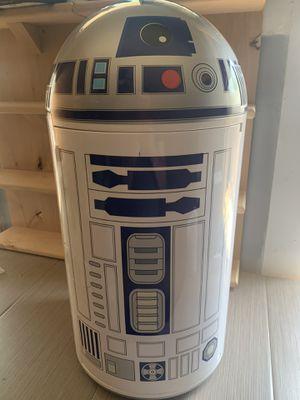 Star Wars R2 - D2 Mini Fridge/ Heat (Rare) Limited Edition for Sale in Madera, CA