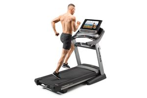 NordicTrack Commercial 2950 Treadmill for Sale in Norcross, GA