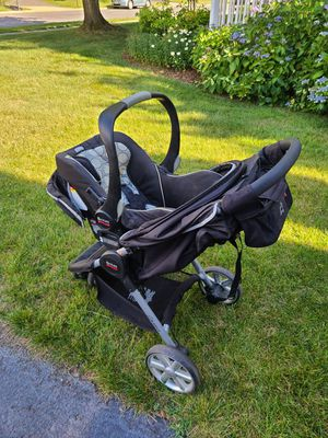 Britax Stroller, Infant Car Seat and Base with Accesories for Sale in Sully Station, VA