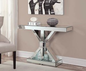 Mirriored Console Table !!!Brand New for Sale in Snellville, GA