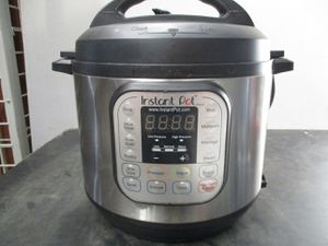 pressure cooker Instant pot 6qt 7-in-1 multi use programmable for Sale in Syracuse, UT