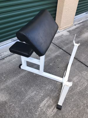 PREACHER CURL BENCH for Sale in Wesley Chapel, FL