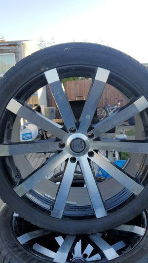 Velocity 24's off of a 2015 dodge ram 1500 5 lug pattern for Sale in Oakland, CA