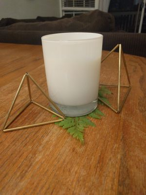 Set of 3 beautiful gold pyramids table decorations for Sale in Fullerton, CA