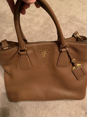 PRADA vitello phenix leather tote for Sale in Fairfax, VA