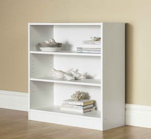 """New Mainstays 32"""" 3-Shelf Wide Bookcase, White for Sale in Pasadena, CA"""