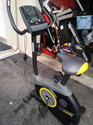 Golds gym 290 c cycle trainer for Sale in Tampa, FL