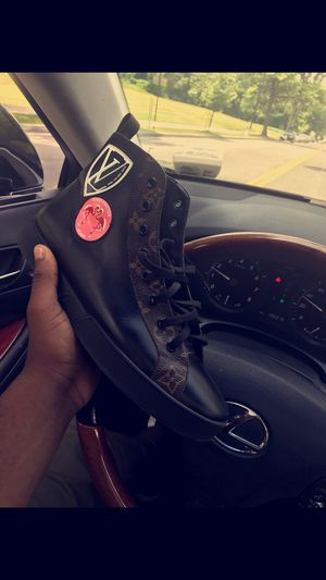 Louis Vuitton Mans for Sale in UNIVERSITY PA, MD