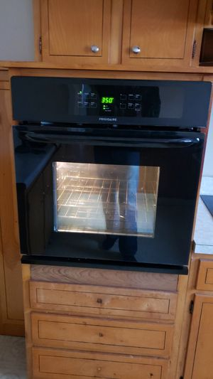 Frigidaire In Wall Electric Stove & Cook Top for Sale in Clarksville, TN