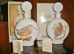 """(FREE DELIVERY) 2 VINTAGE empty decanters featuring 2 birds from """"Field Birds"""" collection for Sale in Las Vegas, NV"""