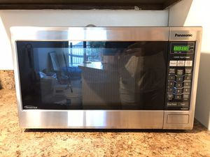 Panasonic Microwave Oven Family Size! for Sale in Englewood, CO