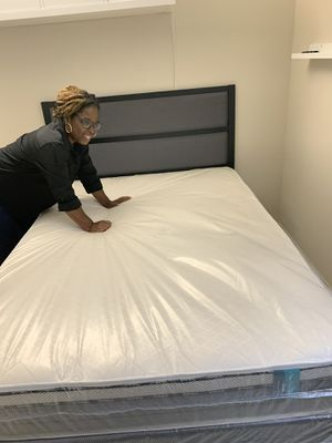 Queen Gray and black bed frame new in the box 📦 with mattresses and box springs FREE DELIVERY 🚚 280 for Sale in Hollywood, FL