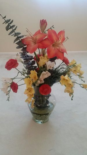 Artificial vase of flower for Sale in Fountain Valley, CA