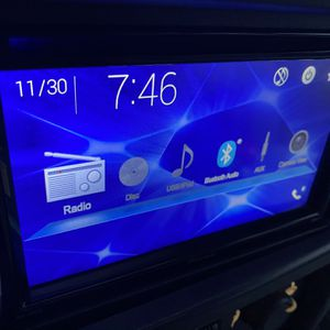 Pioneer Double Din - Bluetooth, DVD, USB, AUX for Sale in North Tonawanda, NY