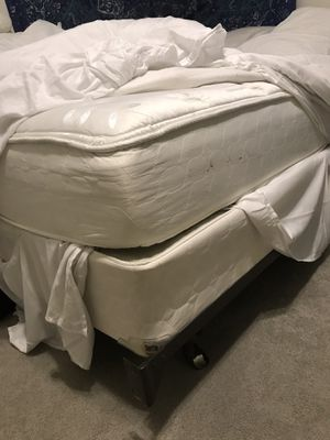 Full sized bed for Sale in Columbia, MO
