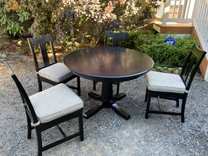 Kitchen table and chairs for Sale in Renton, WA