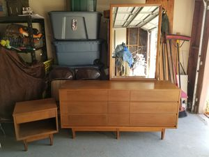 Mid century modern dresser with mirror and nightstand PRICE FIRM for Sale in DEVORE HGHTS, CA