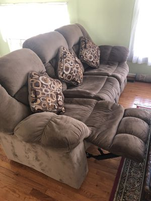 Reclining Sofa and love seat for Sale in Rockville, MD