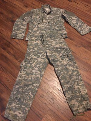 Digital camo shirt and pants men small for Sale in Lake Charles, LA