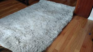 Brown shag area rug 5x7 for Sale in Schiller Park, IL