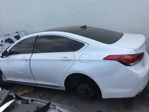 For parts 2015 Hyundai Genesis parting out oem part partes rear bumper trunk lid quarter panel door doors seats radio sunroof for Sale in Miami, FL