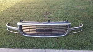 2004 GMC front grill no cracks for Sale in Simi Valley, CA