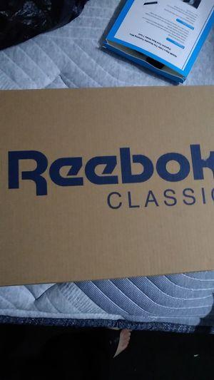 Reebok Aztrek Size 9 for Sale in Los Angeles, CA