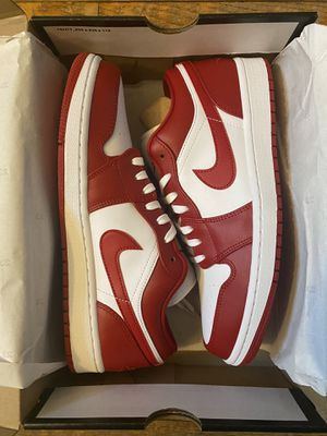 Jordan 1 low Size 9 DS for Sale in Columbus, OH