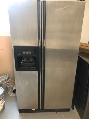 Nice use Refrigerator $300 works excellent for Sale in LAUD BY SEA, FL