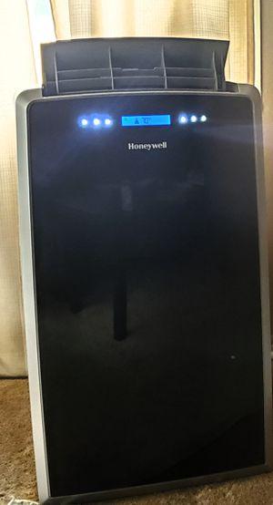 Honeywell Portable AC (series MM14CHCS)unit 14000 BTU for Sale in Los Angeles, CA