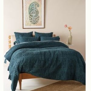 Anthropologie King Quilt - Comforter for Sale in Chicago, IL