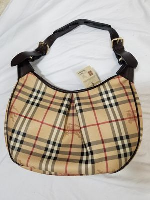 NWT Burberry Haymarket Check Chocolate Brown Rydal Hobo Bag Purse for Sale in Greensburg, PA