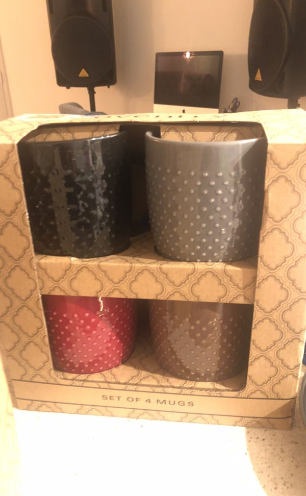 New and used kitchen appliances, bowls, mugs, and containers