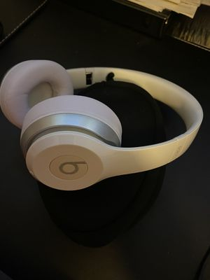 Beats by Dre Solo2 Wireless for Sale in San Diego, CA