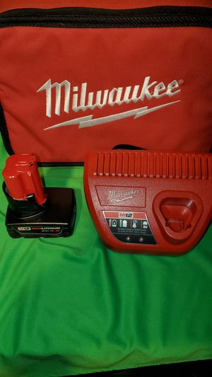 MILWAUKEE M12 XC 4.0 BATTERY & BATTERY CHARGER SET for Sale in Beaumont, CA