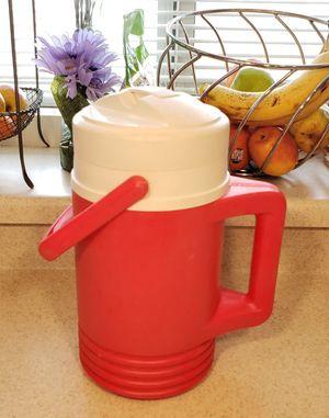 Igloo Liquid Cooler 1/2 Gallon for Sale in North Las Vegas, NV