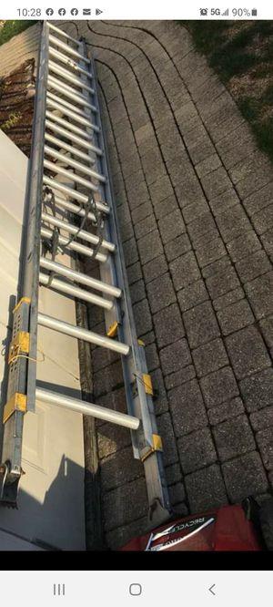 24 ft adjustable ft extension ladder for Sale in Bolingbrook, IL