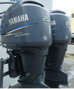 """PAIR 2008 250HP YAMAHA FOUR STROKE OUTBOARD MOTOR WITH 25"""" SHAFTS for Sale in Oakland Park, FL"""