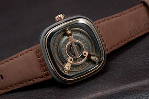 SEVENFRIDAY SWISS WATCH MODEL M2-2 ROSE GOLD for Sale in Miami, FL