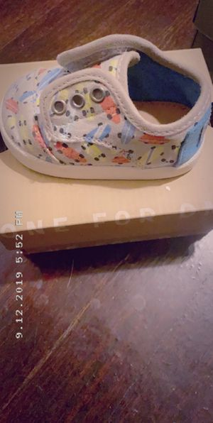 Size 4 toddler shoes for Sale in St. Louis, MO