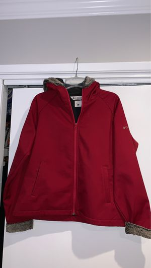 Columbia faux fur ladies xl zip up soft shell jacket for Sale in Downey, CA