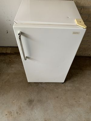 Mini fridge with freezer for Sale in Jonesboro, AR